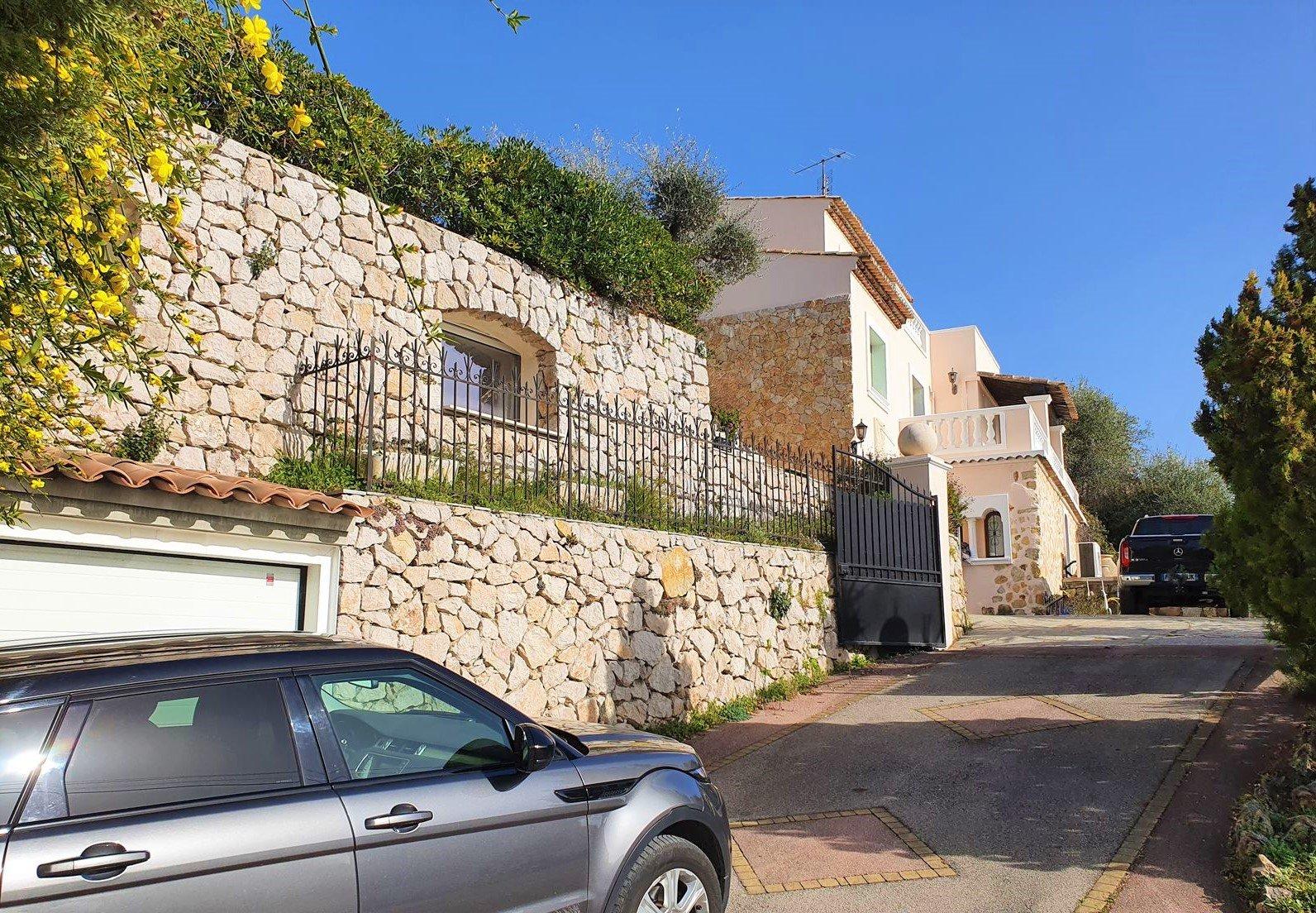Sale Villa - Saint-André-de-la-Roche