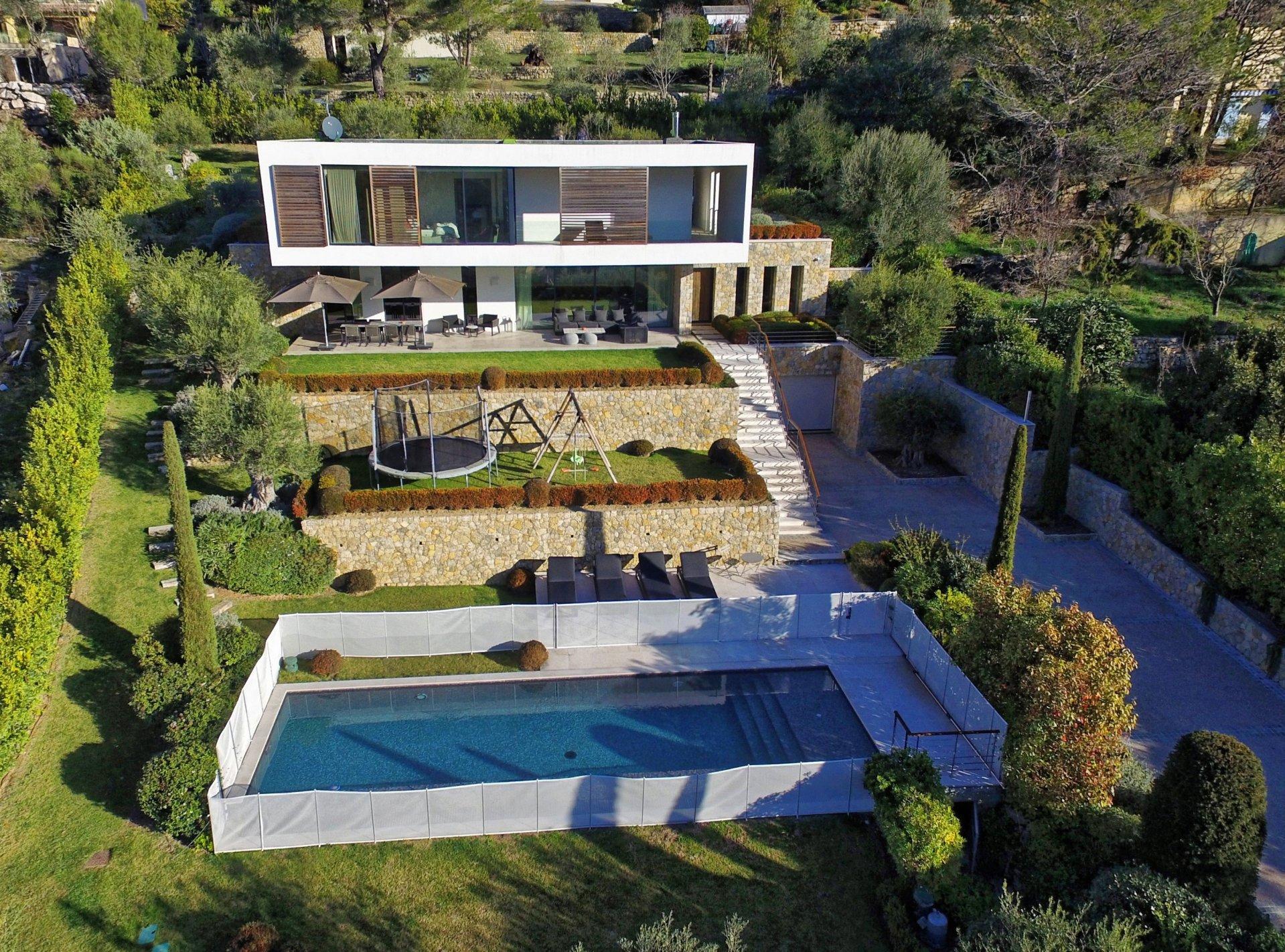 purchase / sale contemporary villa Chateauneuf - Grasse