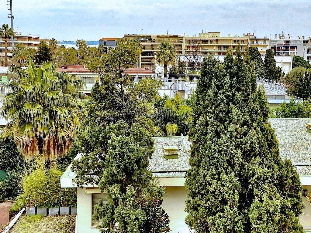 Cannes Croisette 3P 95 m2 luxury residence