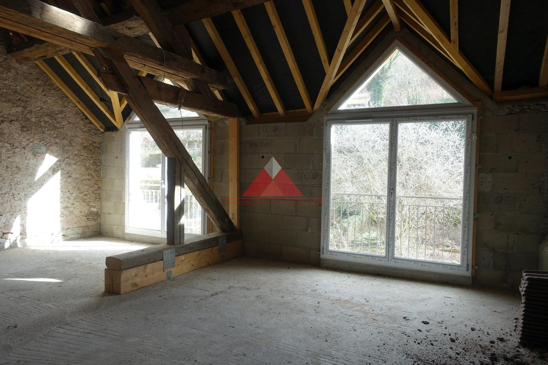 Immeuble comprenant 6 appartements