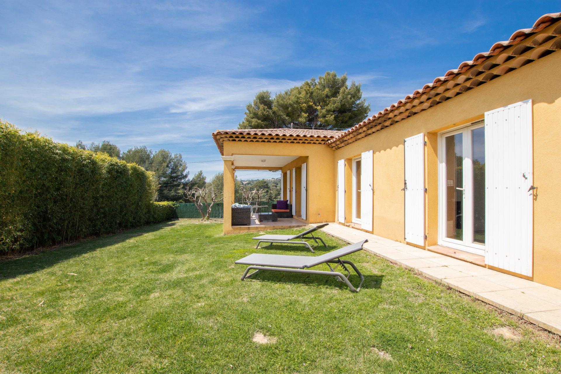 L'ENSOLEILLEE - Villa Plain pied T4 de 92 m² - Terrain 610m2 -  Château Gombert