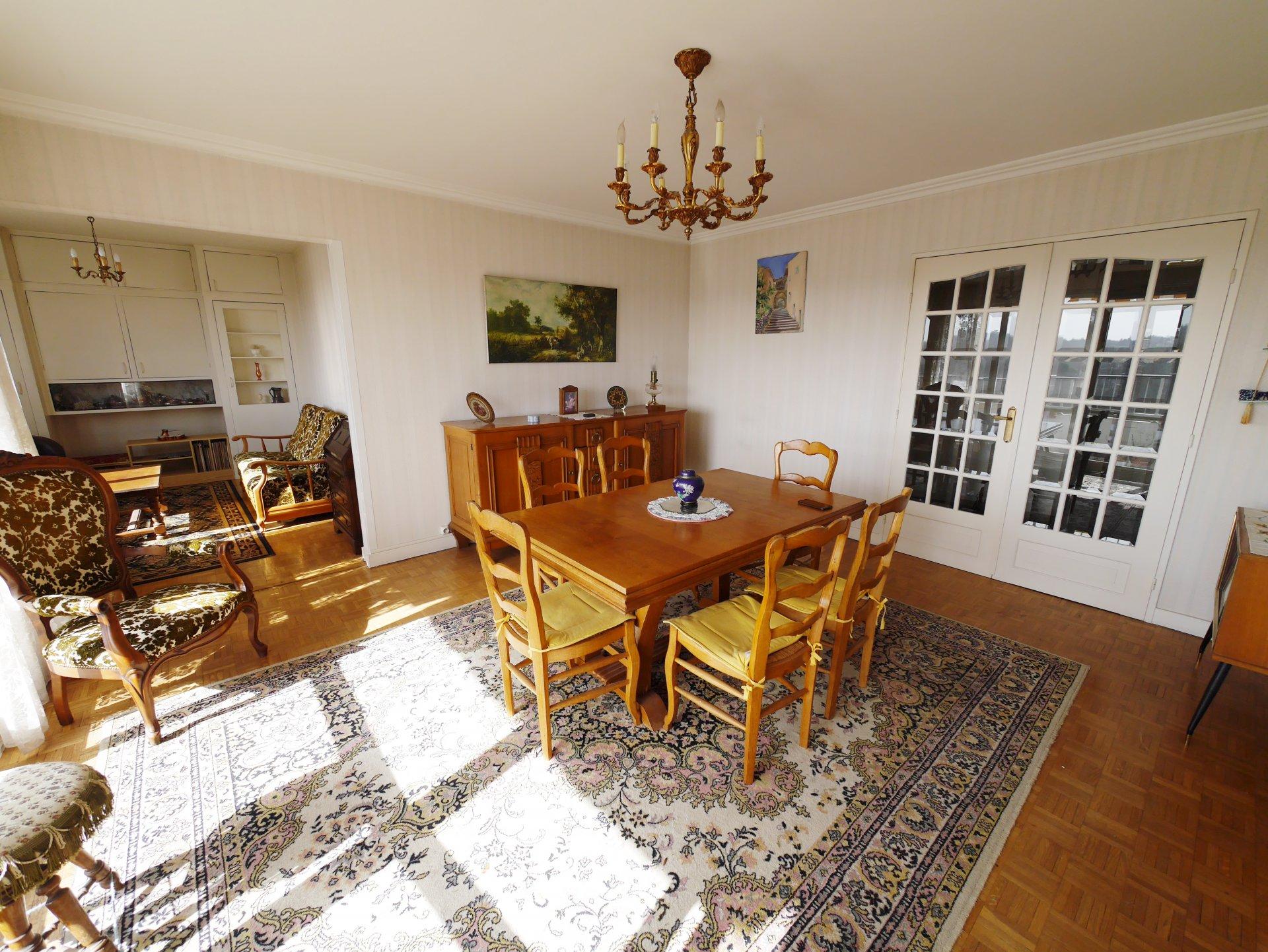 Sale Apartment - Sainte-Foy-lès-Lyon