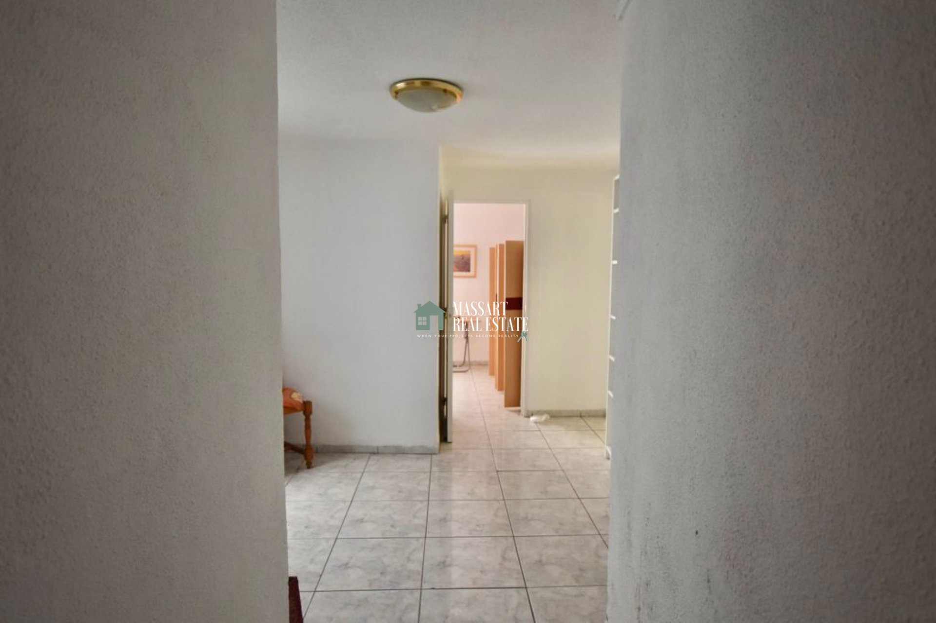 Fully furnished 80 m2 apartment located in the strategic area of Los Cristianos.