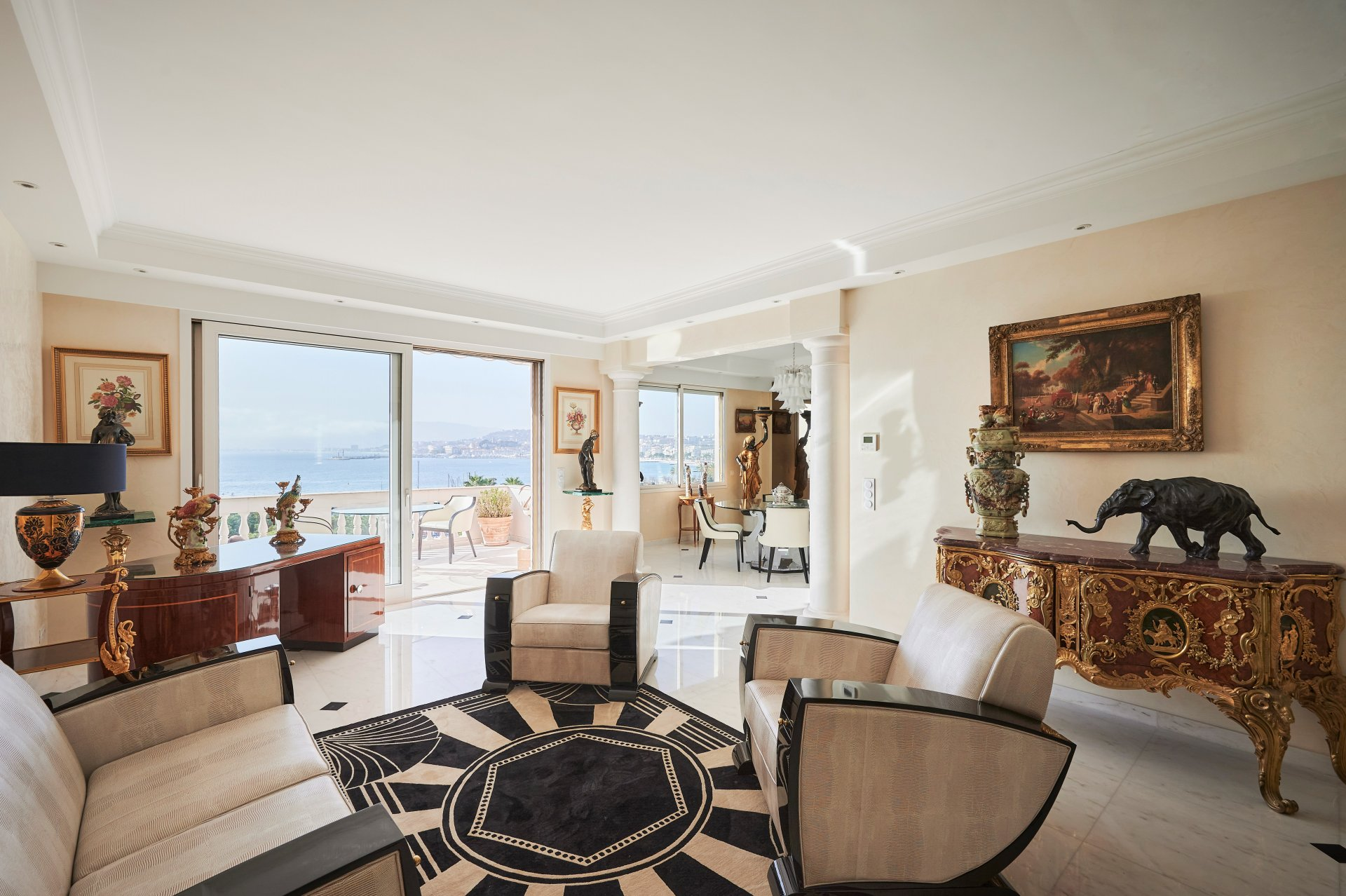 A vendre - Penthouse en duplex avec terrasse de 80m² et vue mer panoramique -  Croisette