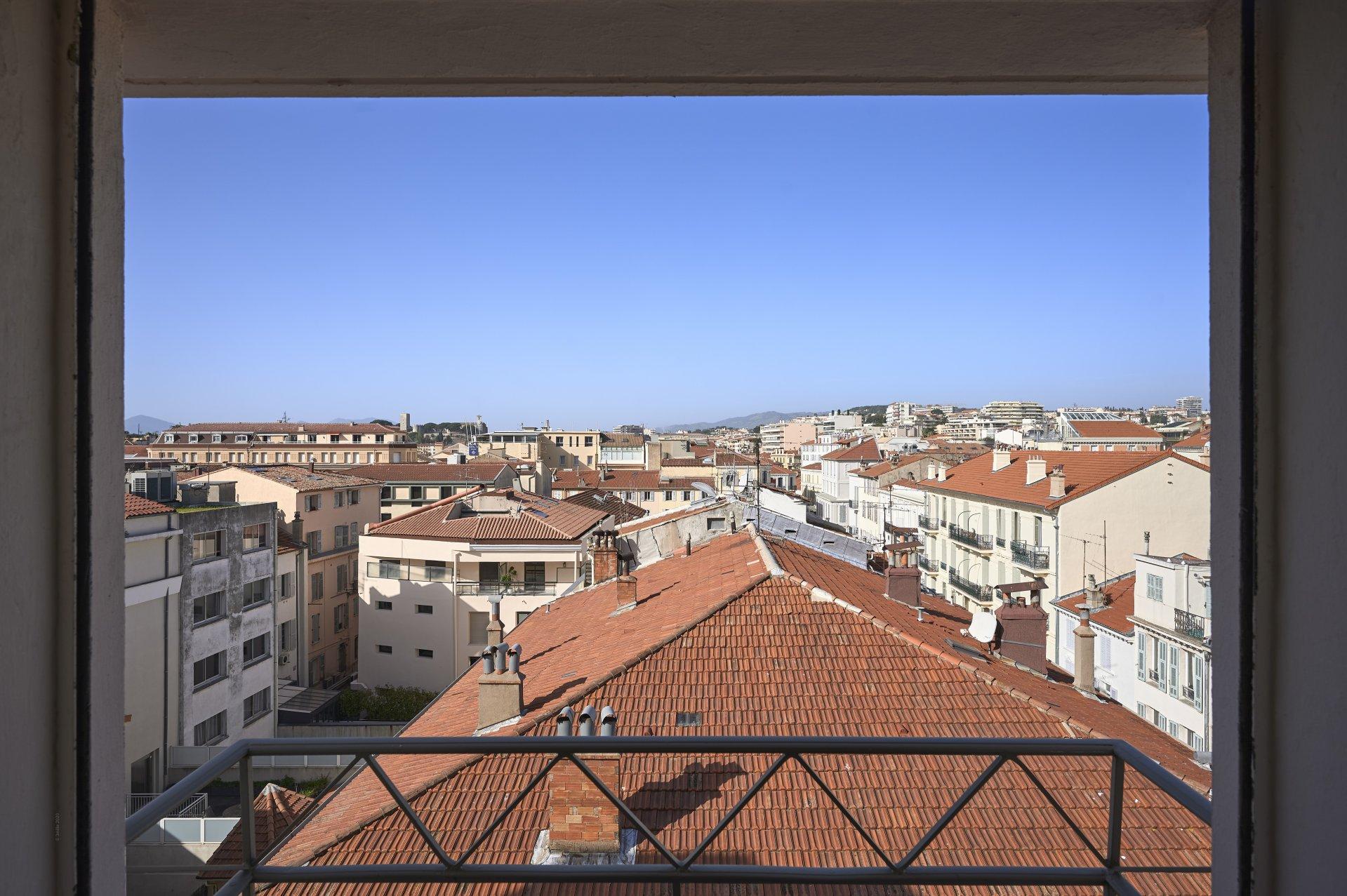 A vendre - 4 pièces contemporain en plein centre ville - Cannes arrière Croisette