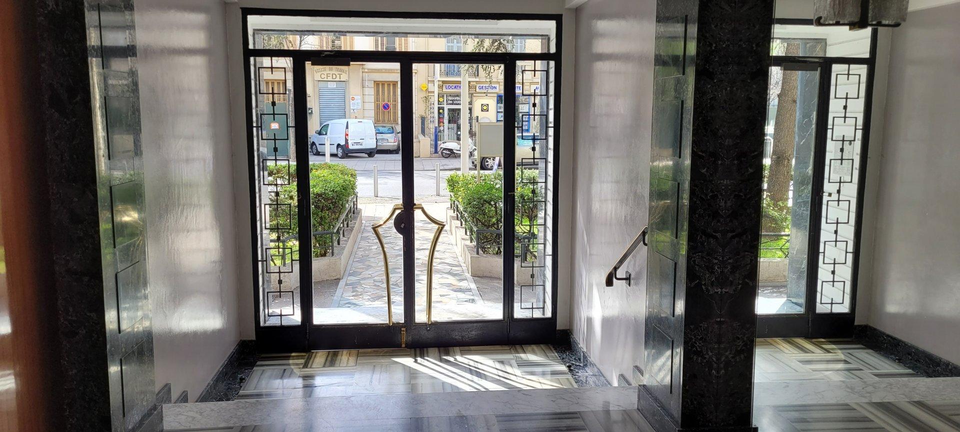 vente trois pièces boulevard general louis delfino