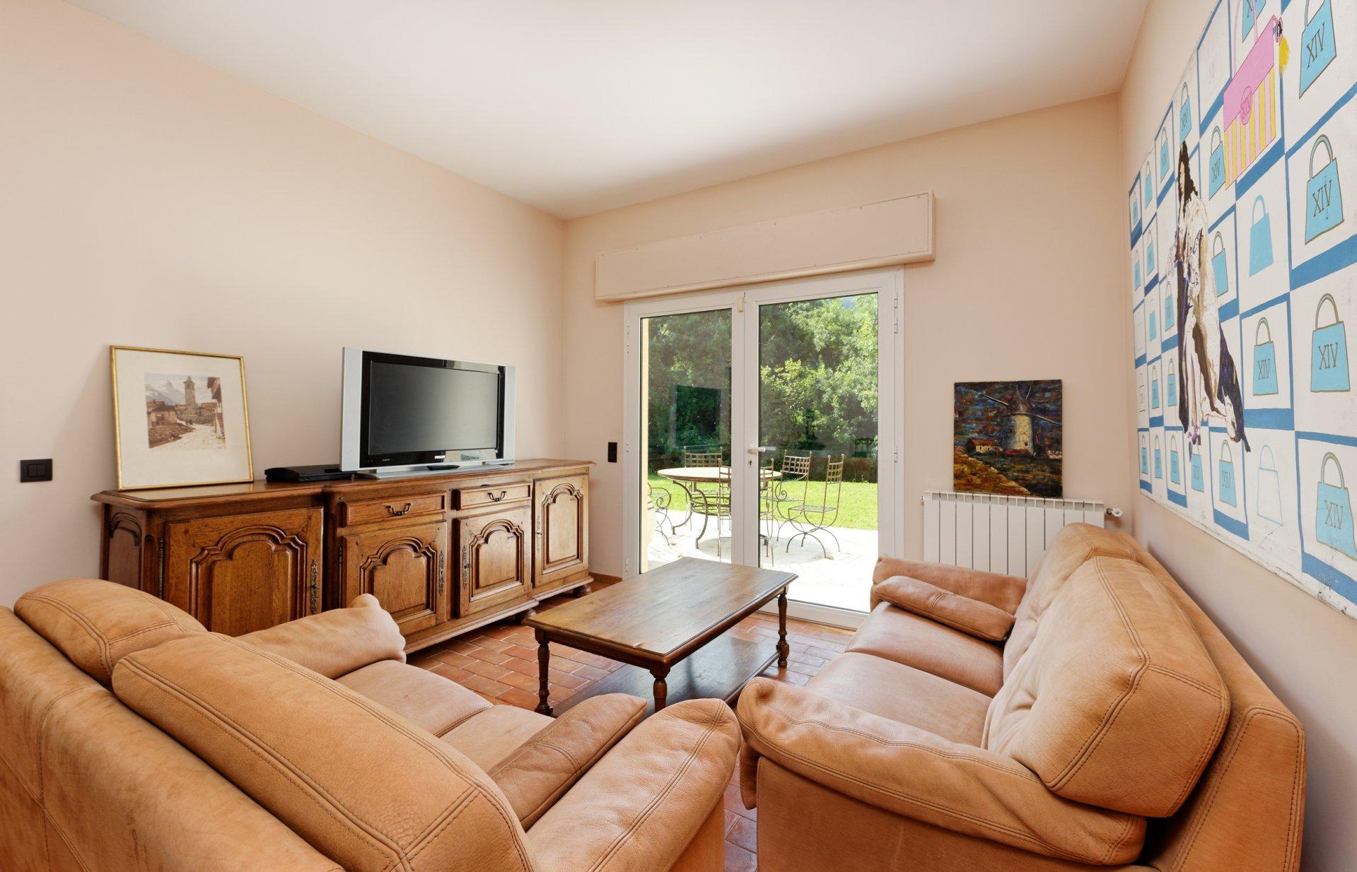 Grasse villa individuelle 500m² 2 pièces indépendant