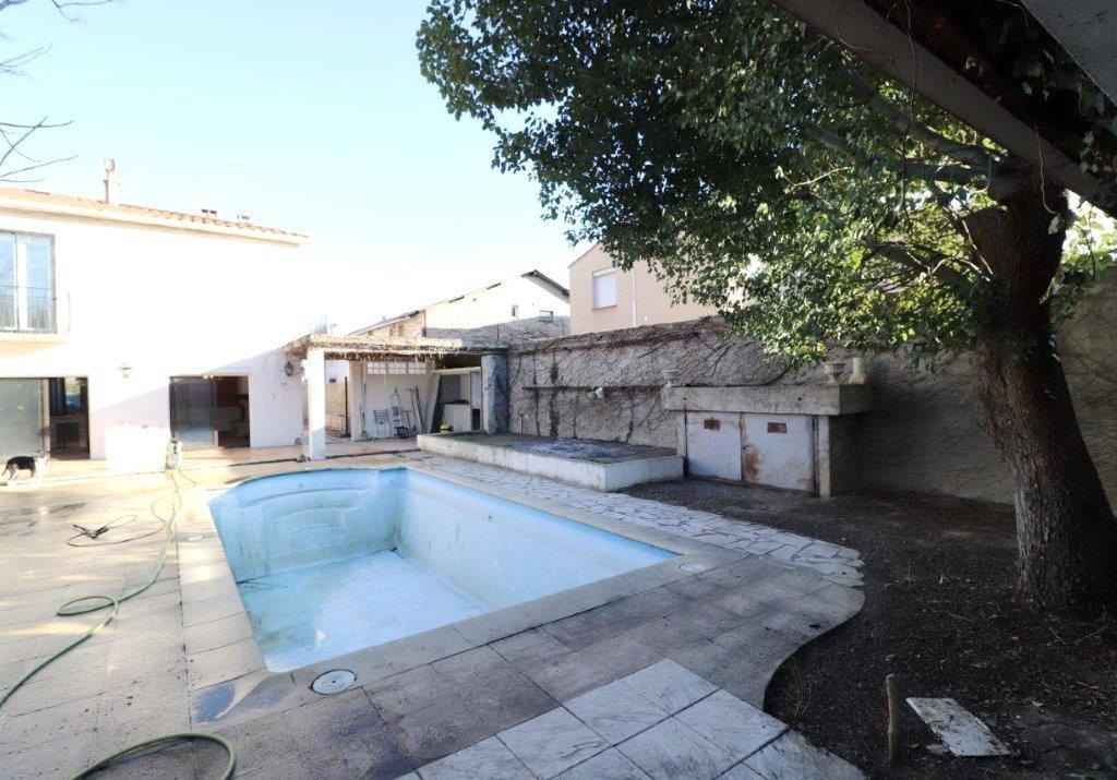 Espira de l'Agly, Grande Villa familiale en 3 faces avec piscine.