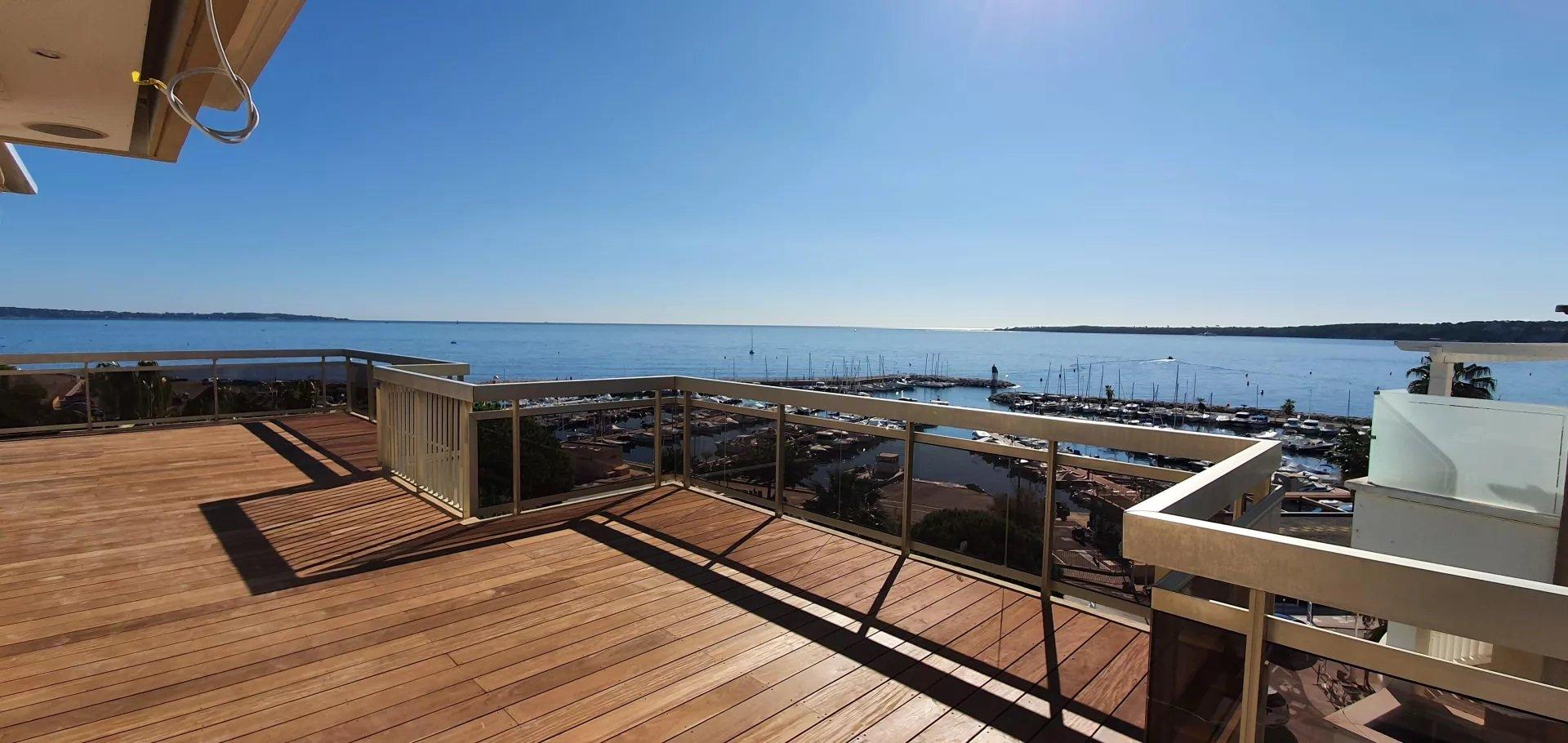 Penthouse, large terrace, superb sea view, cellar, garage, Palm Beach Cannes