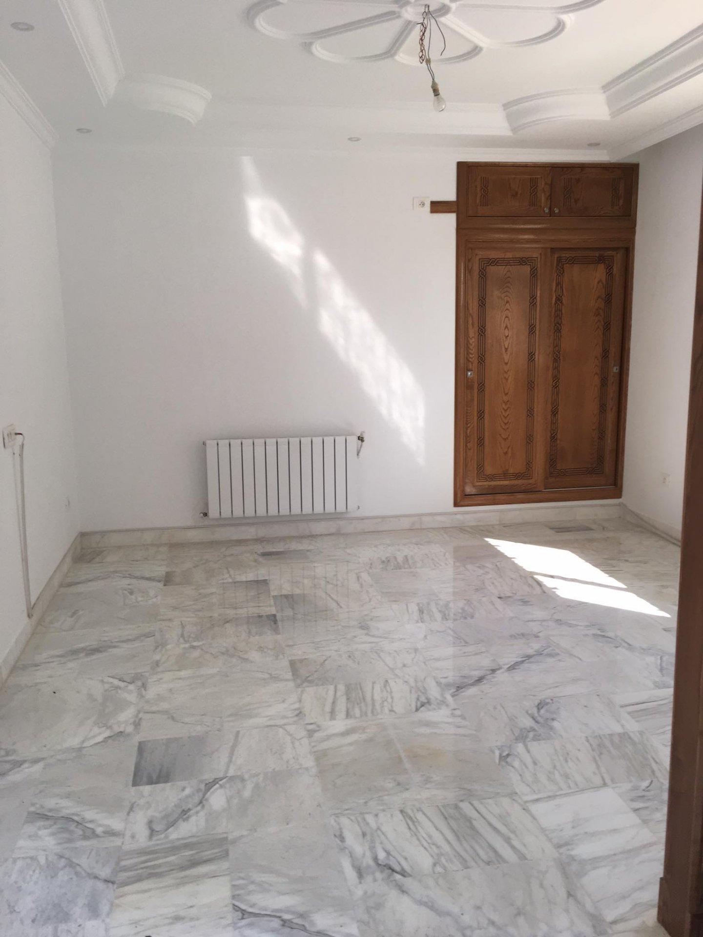 Location Rez de chaussée d'une Villa à La Marsa