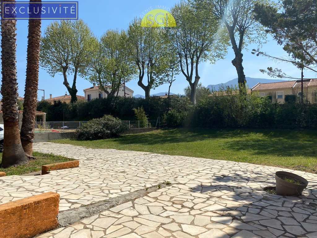 Villa 4 faces sur 2 227 m2 de terrain