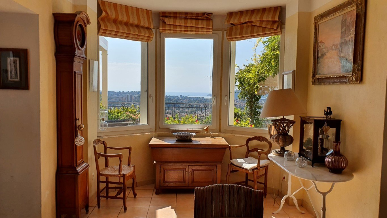 Villa 200 m² vue panoramique sur la baie de Toulon