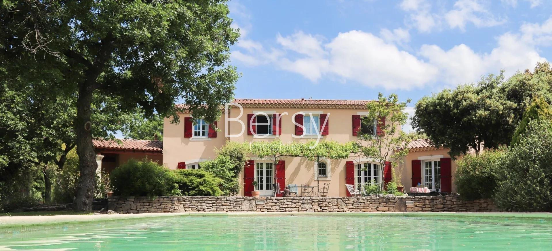 TROP TARD, C'EST VENDU !  - Bastide Provençale de 205m2 sur 2130 m2 de terrain