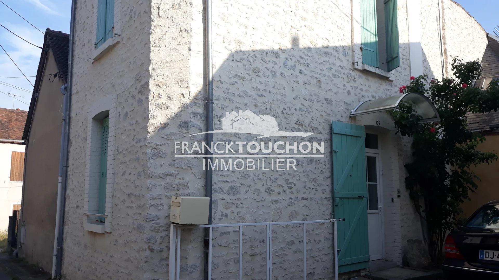 Maison de ville - centre de MONTARGIS (45200) commodités à pieds - GARE SNCF à 5 min