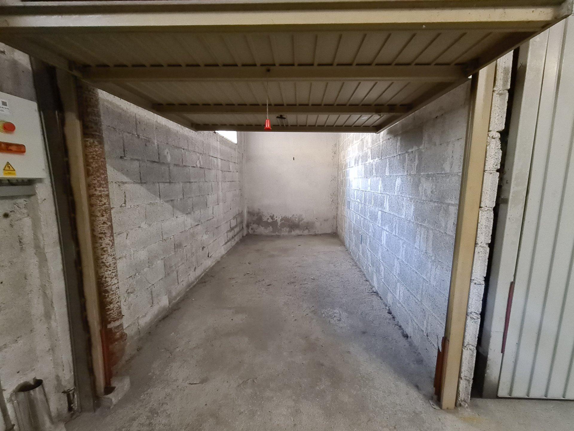 VALROSE 2 Pièces Terrasse Garage 1040 € cc