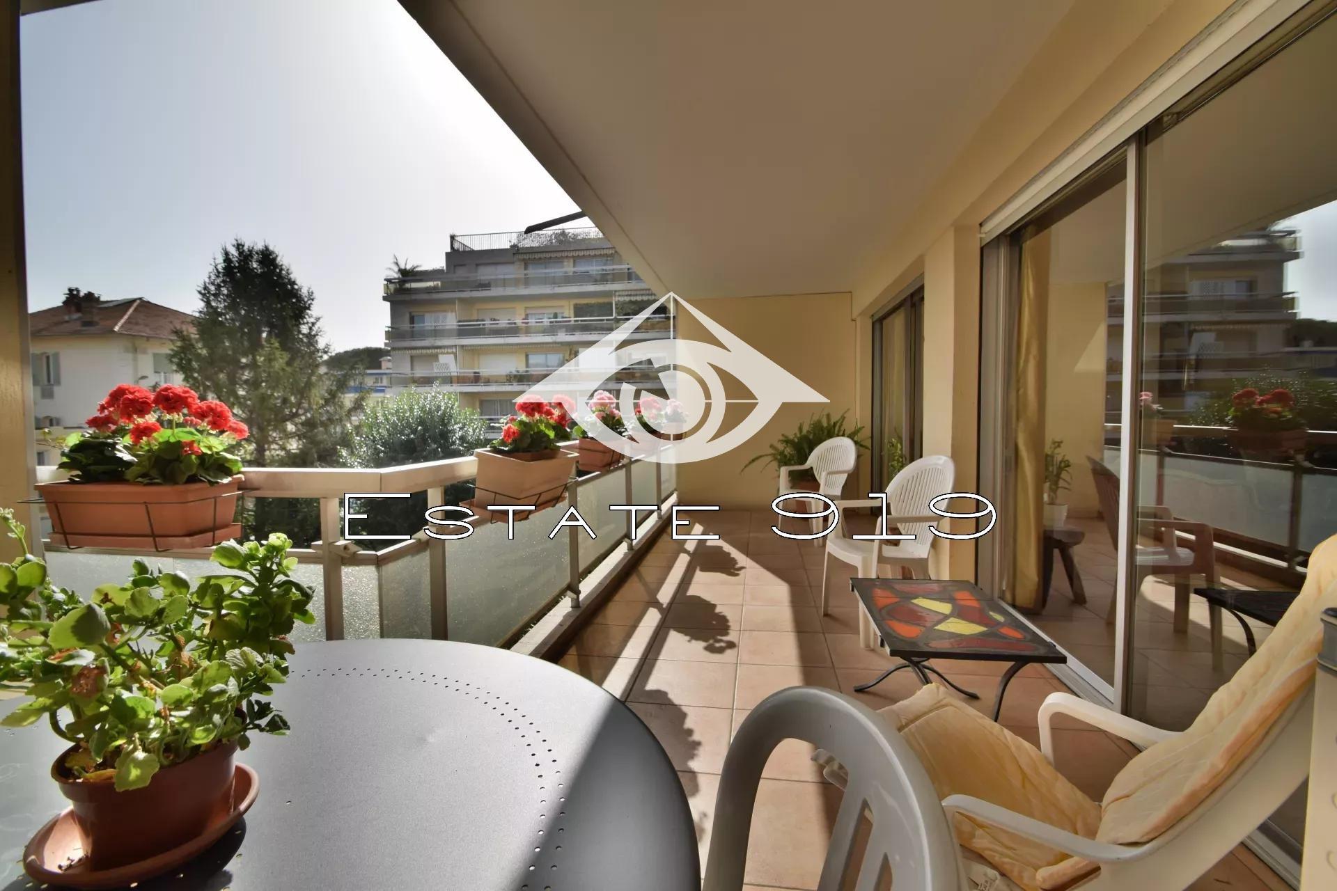 Cannes appartement 3 pieces vue dégagée