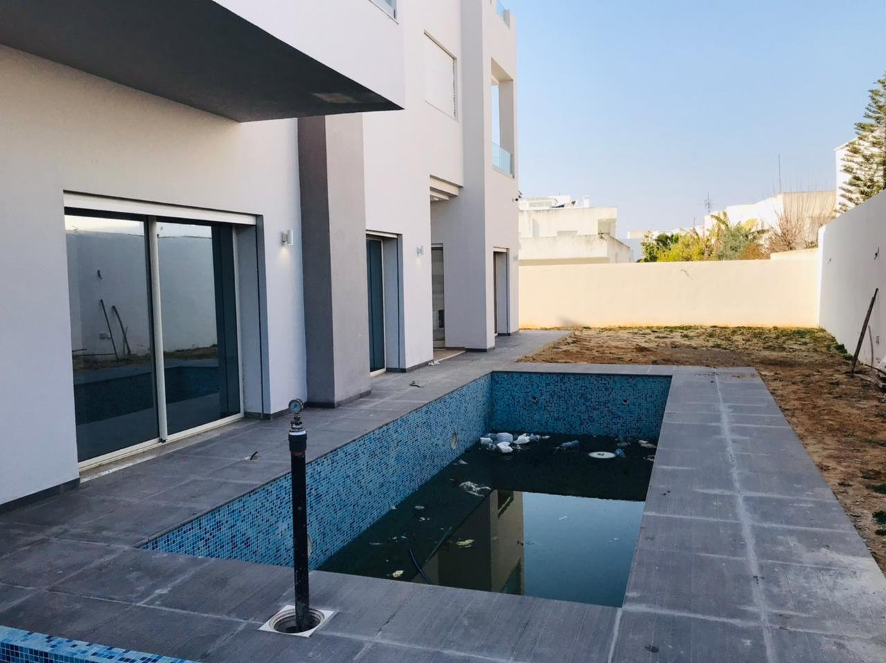 Sale Triplex - La Soukra - Tunisia