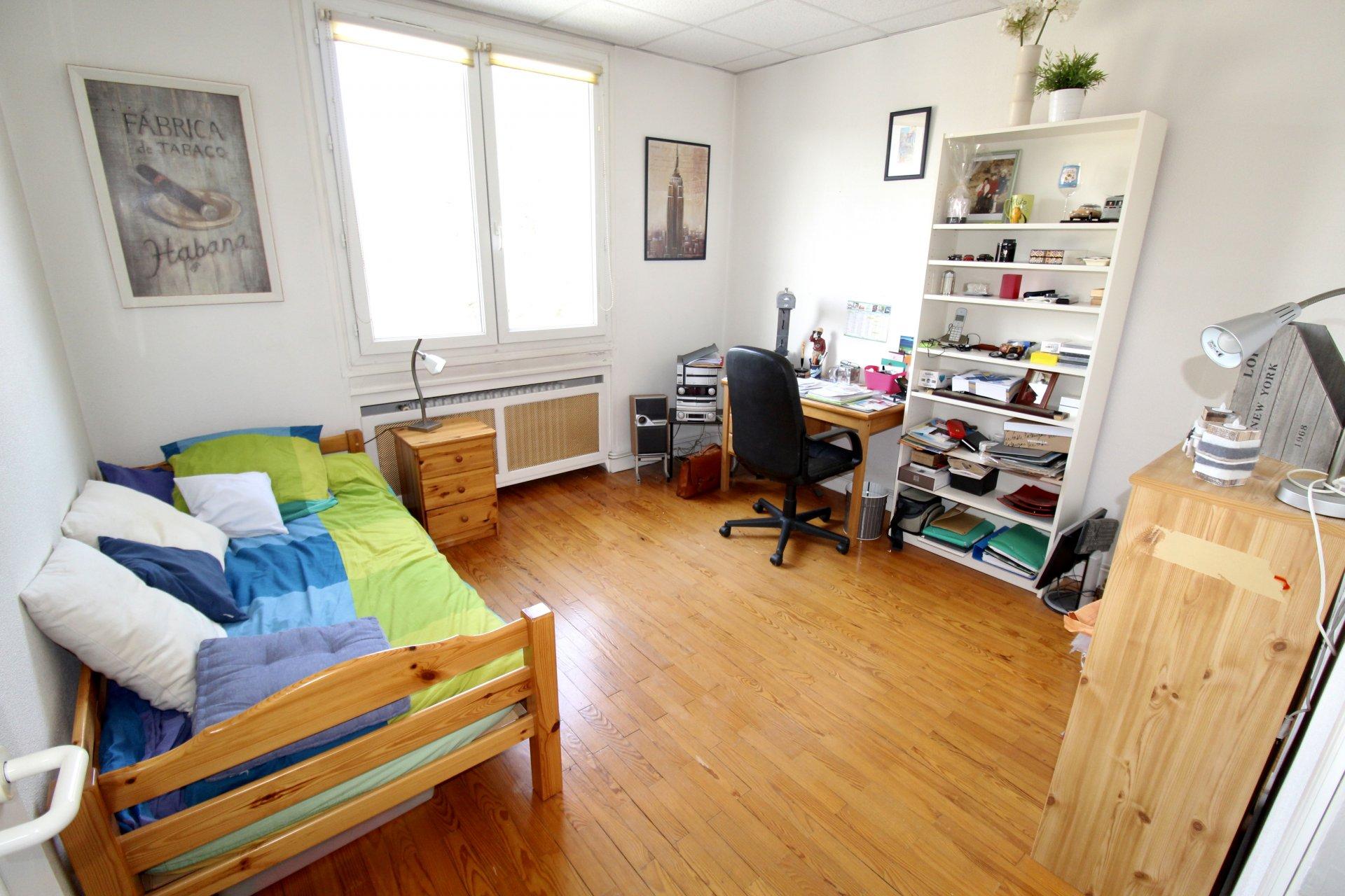 Appartement en duplex Saint-Etienne / Bel-Air 6 pièces 158m2 avec balcons et garages