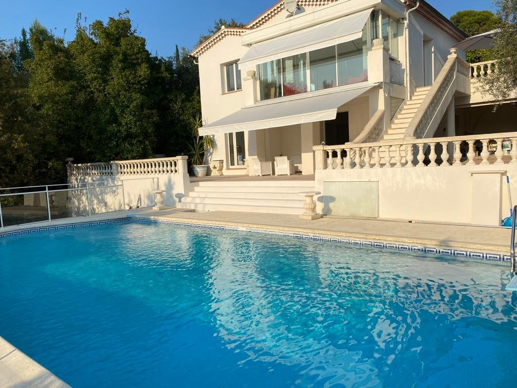 Villa in Grasse for sale with swimming pool