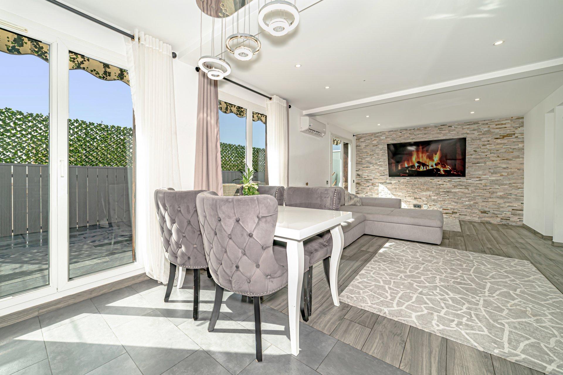 Nice West Side. Carras / Ferber - Top floor 2 bedroom with open terrace