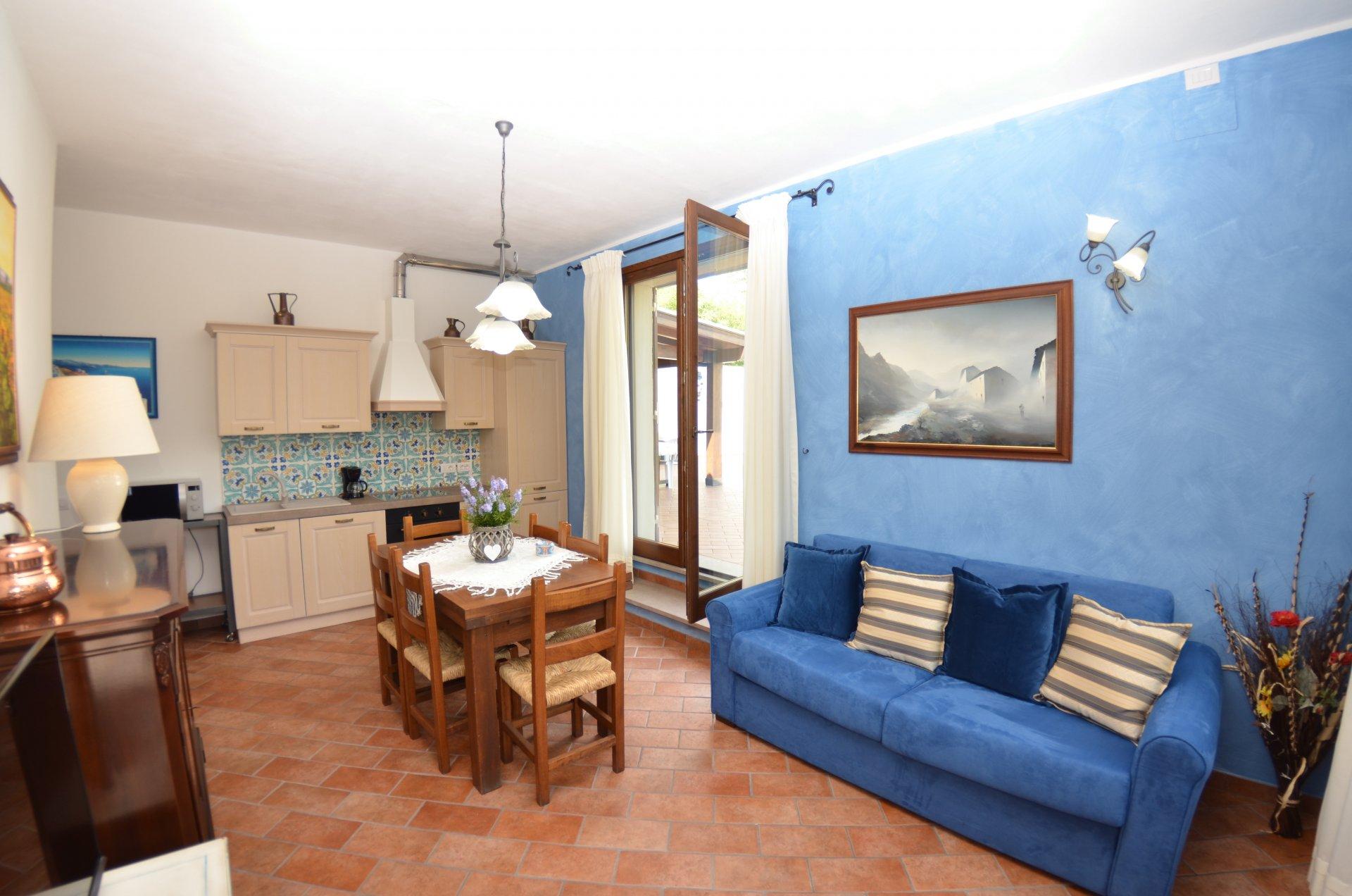 ITALIE, TOSCANE, MONTECARLO, MAISON DE CAMPAGNE AVEC PISCINE, 8 PERSONNES