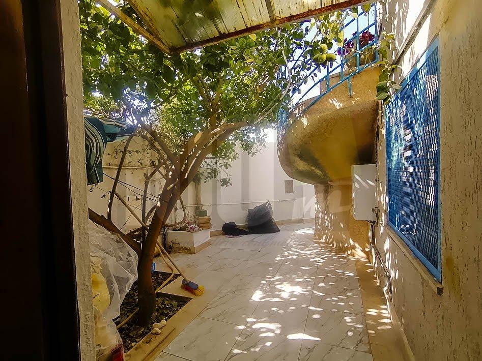 Location d'un rez de jardin s+2 à Amilcar