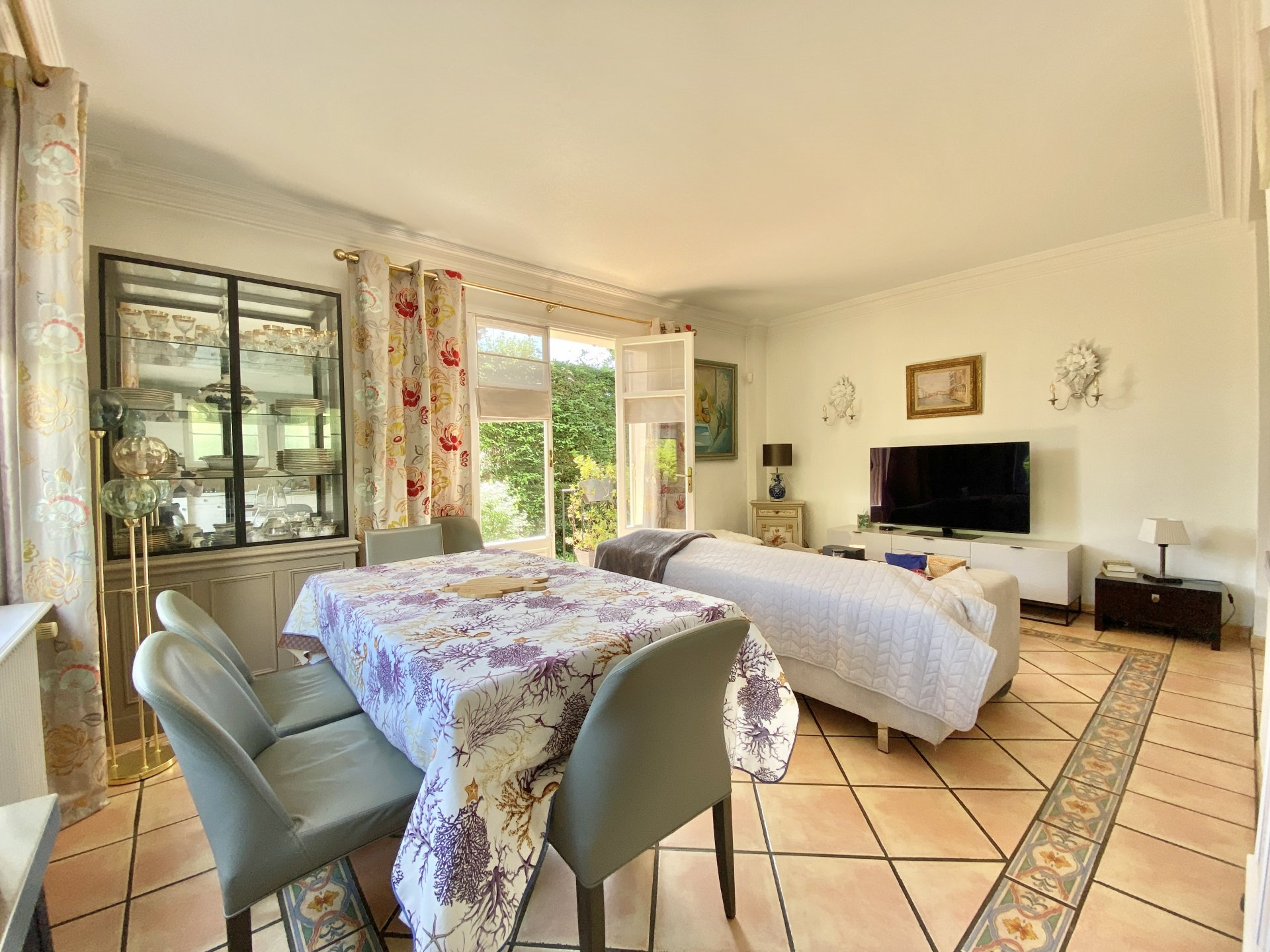 For sale - Villa walking distance from the city center - Cannes Montfleury