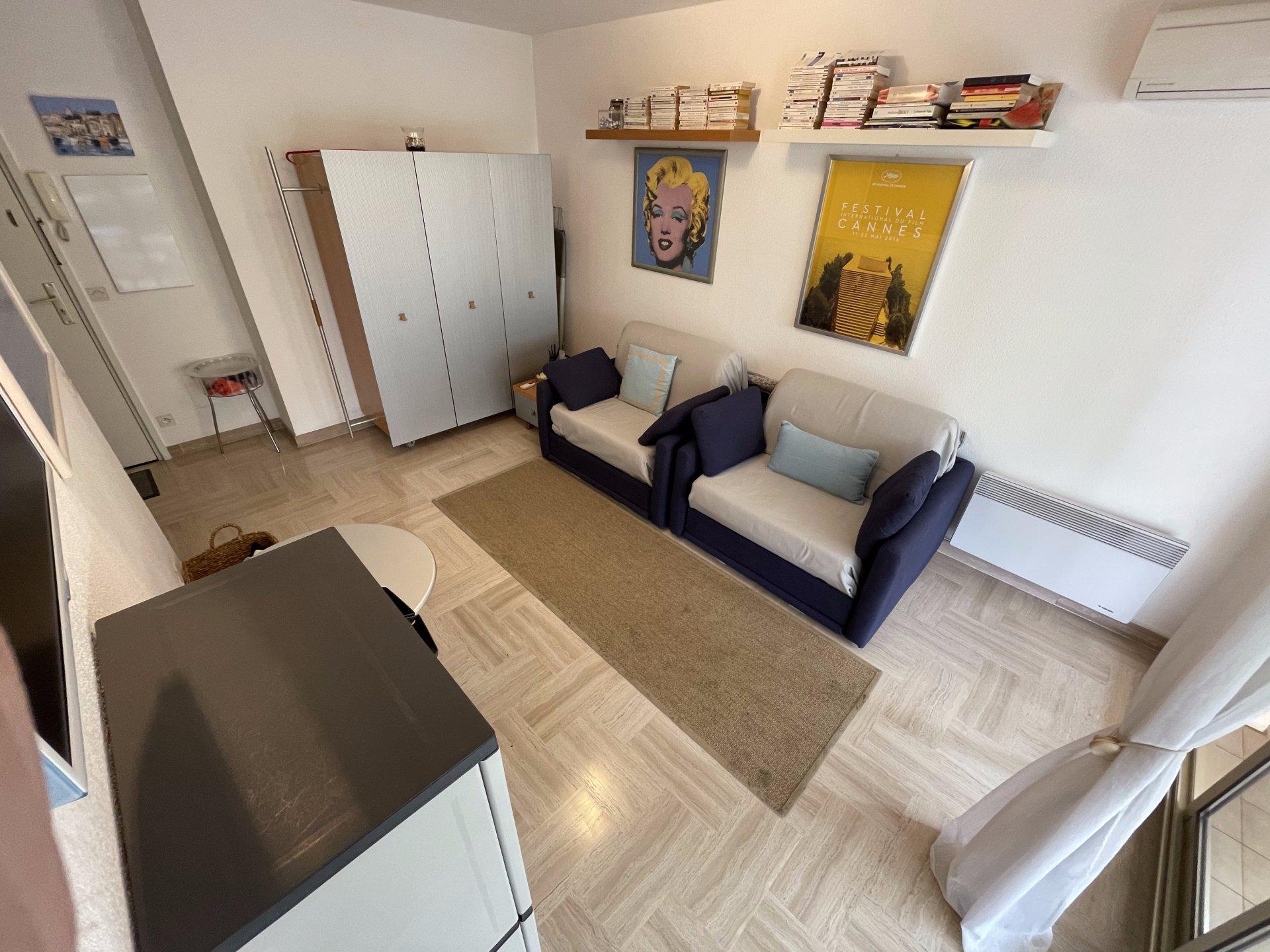 Magnifique studio entièrement meublé à voir absolument
