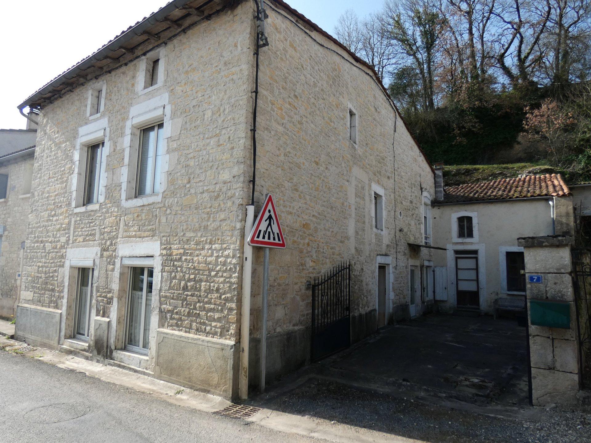 Village housse Luxé