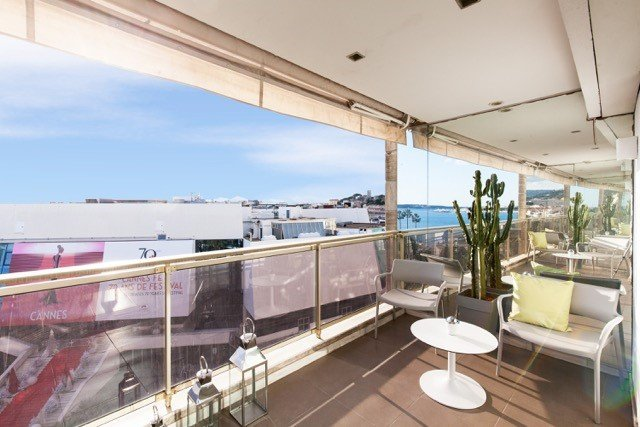 Cannes - Croisette - Luxury flat with terrace in front of the Palais des Festivals and the sea