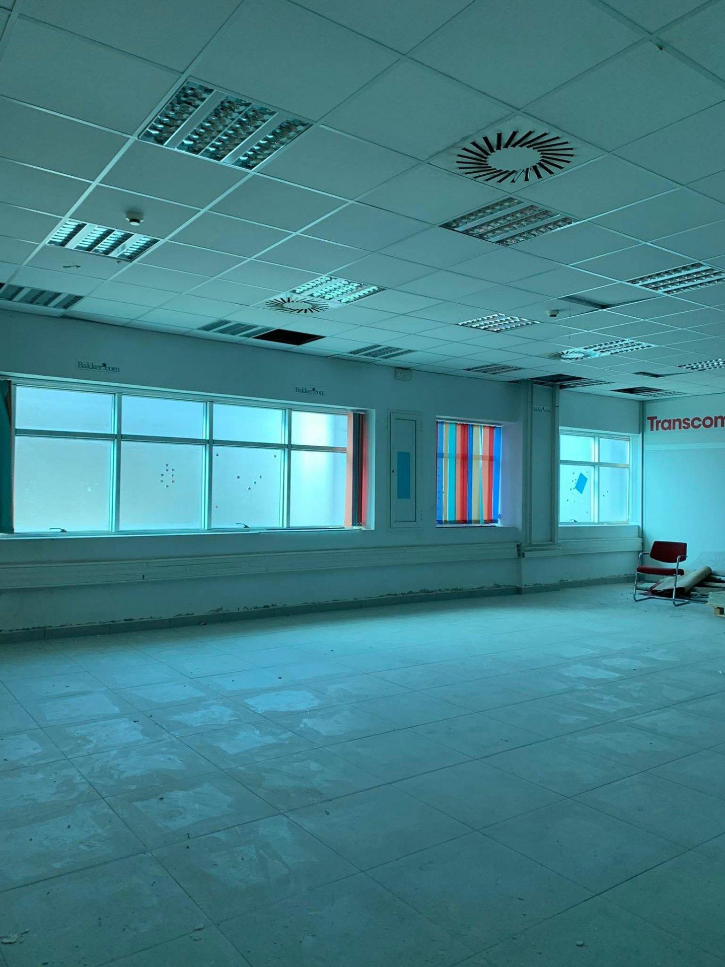 Location Bureau de 7 pièces 490 m² au Lac 2.