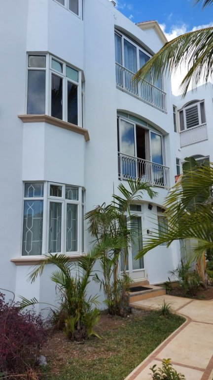 Modern apartment in Pointe aux Canonniers