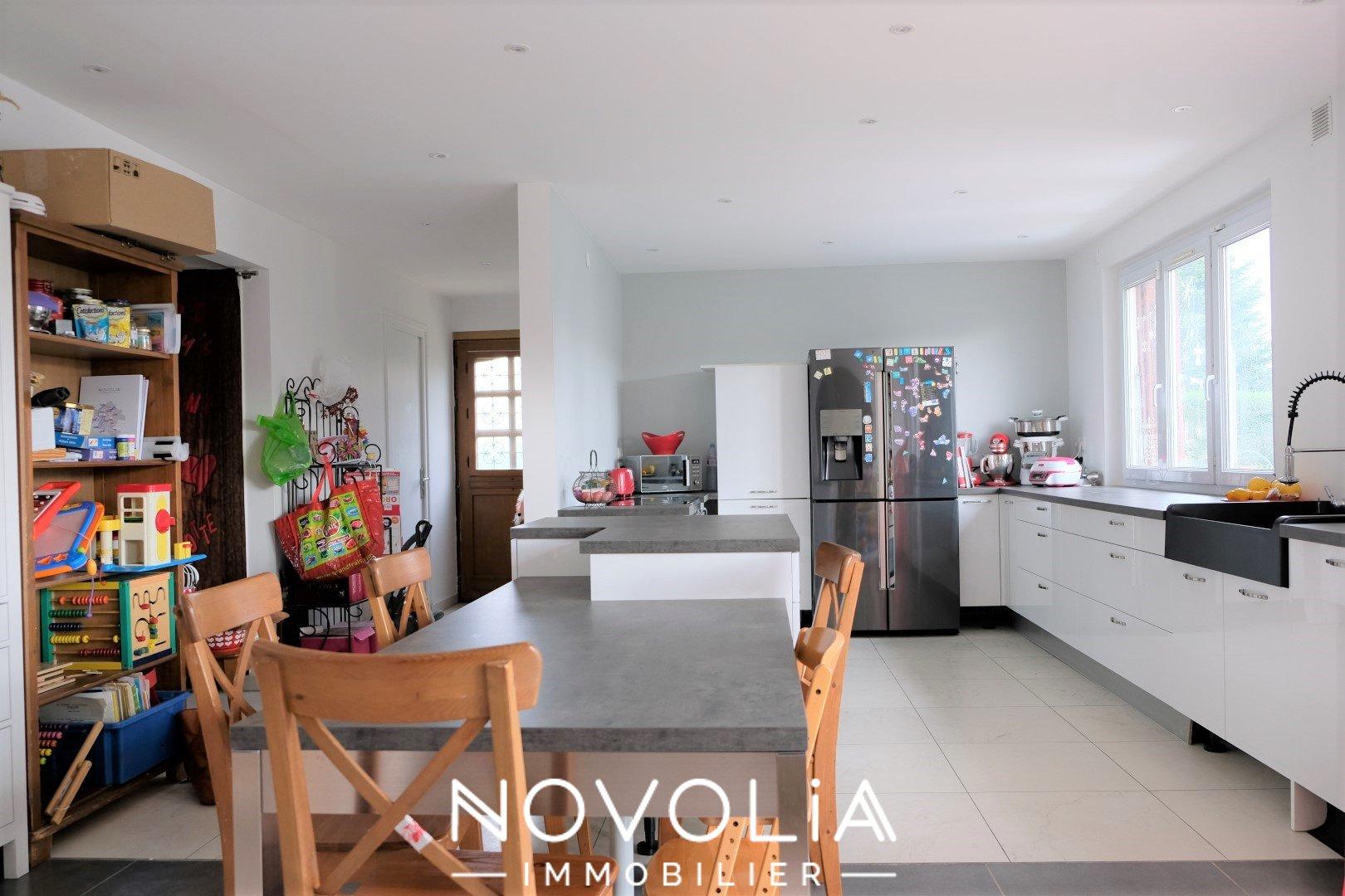 Achat Maison, Surface de 246 m², 6 pièces, Rillieux-la-Pape (69140)
