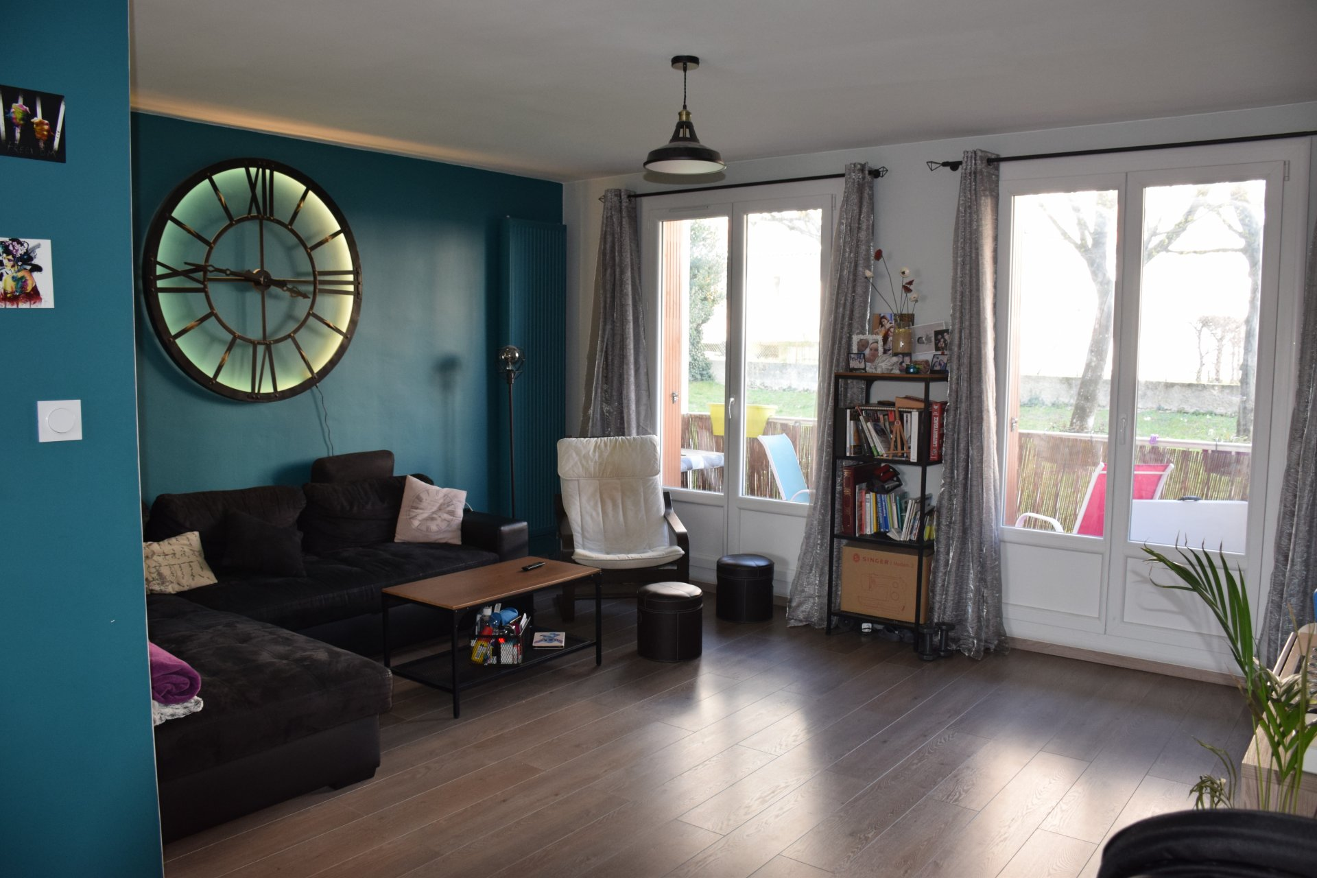 Sale Apartment - Bron