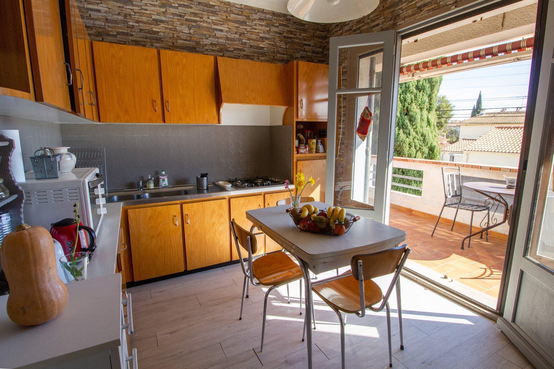 Sale House - Arles