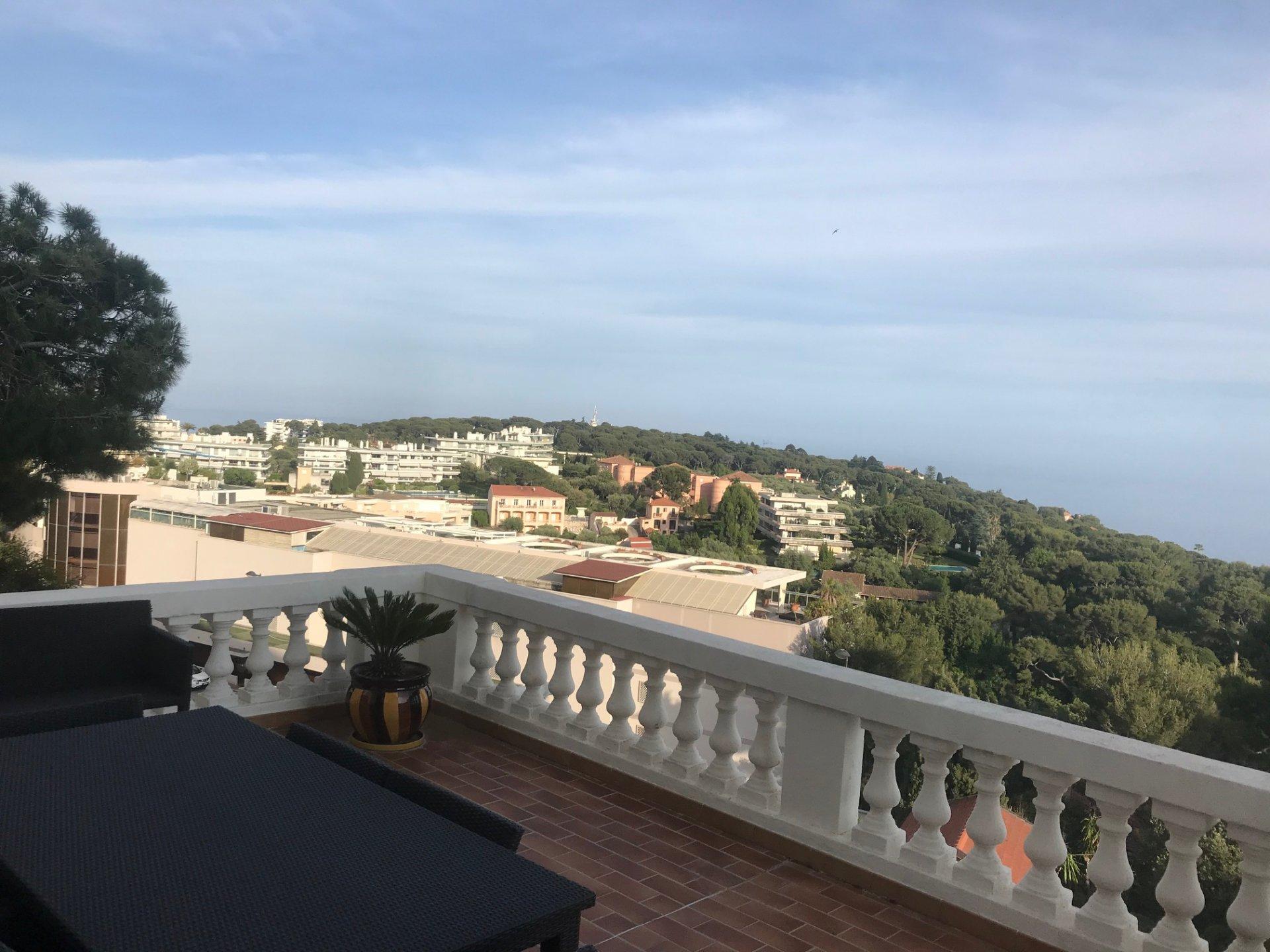 Vue exceptionnelle sur Monaco et panoramique mer- dans Palace Plateau du Cap Martin-T3 avec grande Terrasse- Garage-Parking-Cave