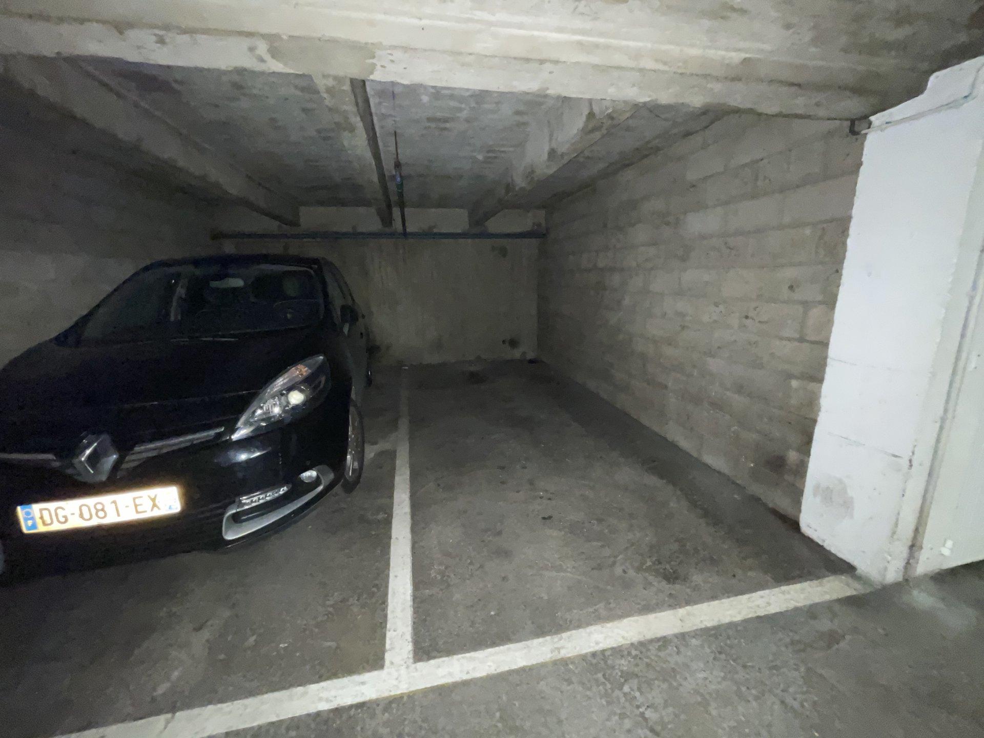 Emplacement de Parking - PARNASSIUM