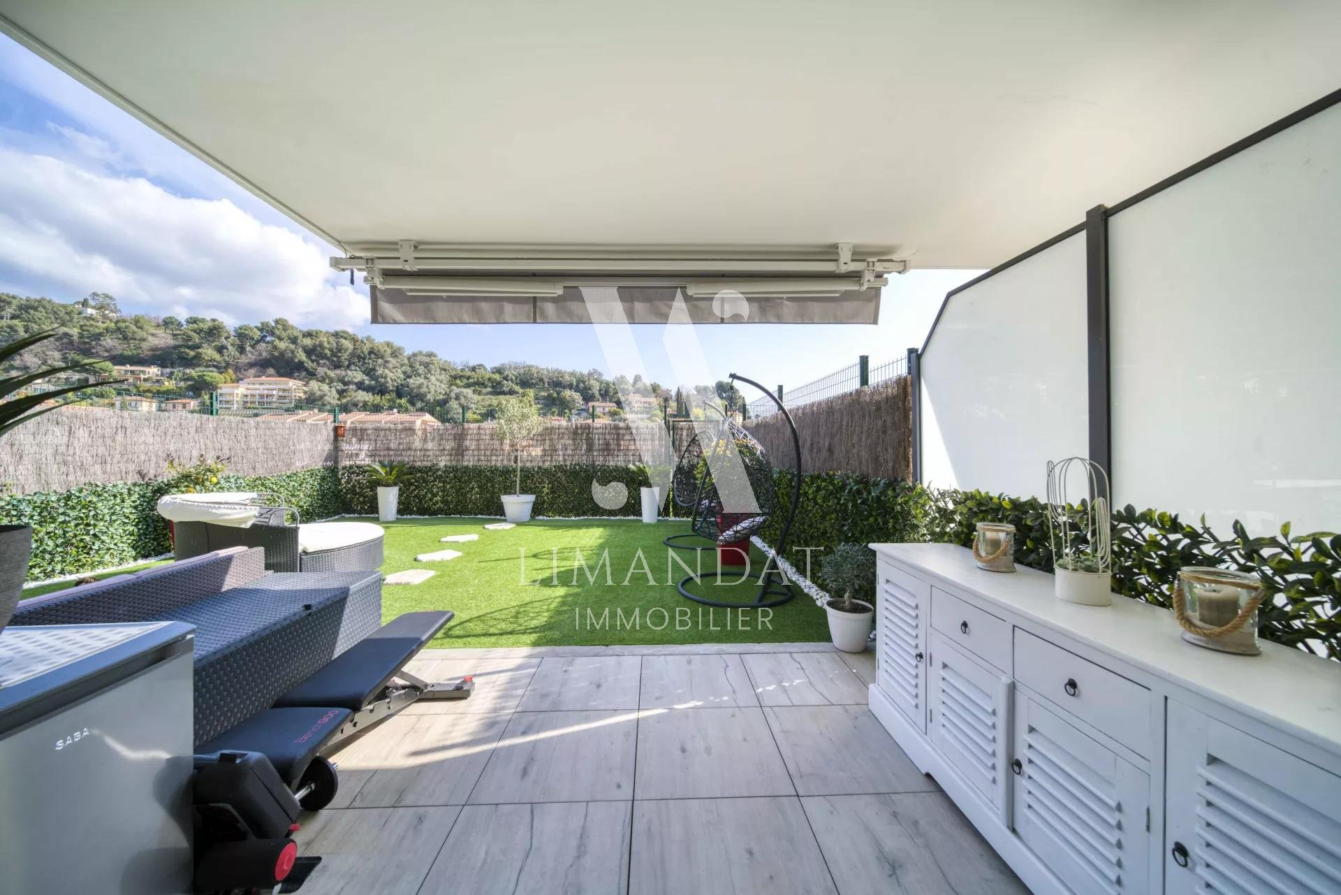 Roquebrune Cap Martin - 3 pièces 69 m2 terrasse 34 m2 jardin 44 m2 garage