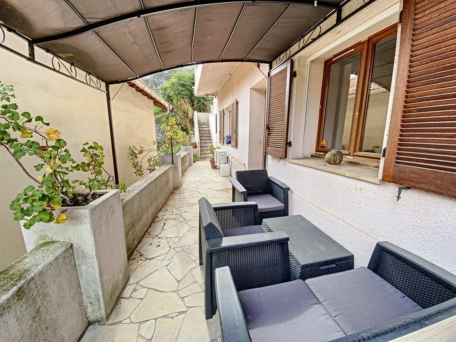 NICE (06000) - Appartement bas de villa - 2/3 pièces - Terrasse