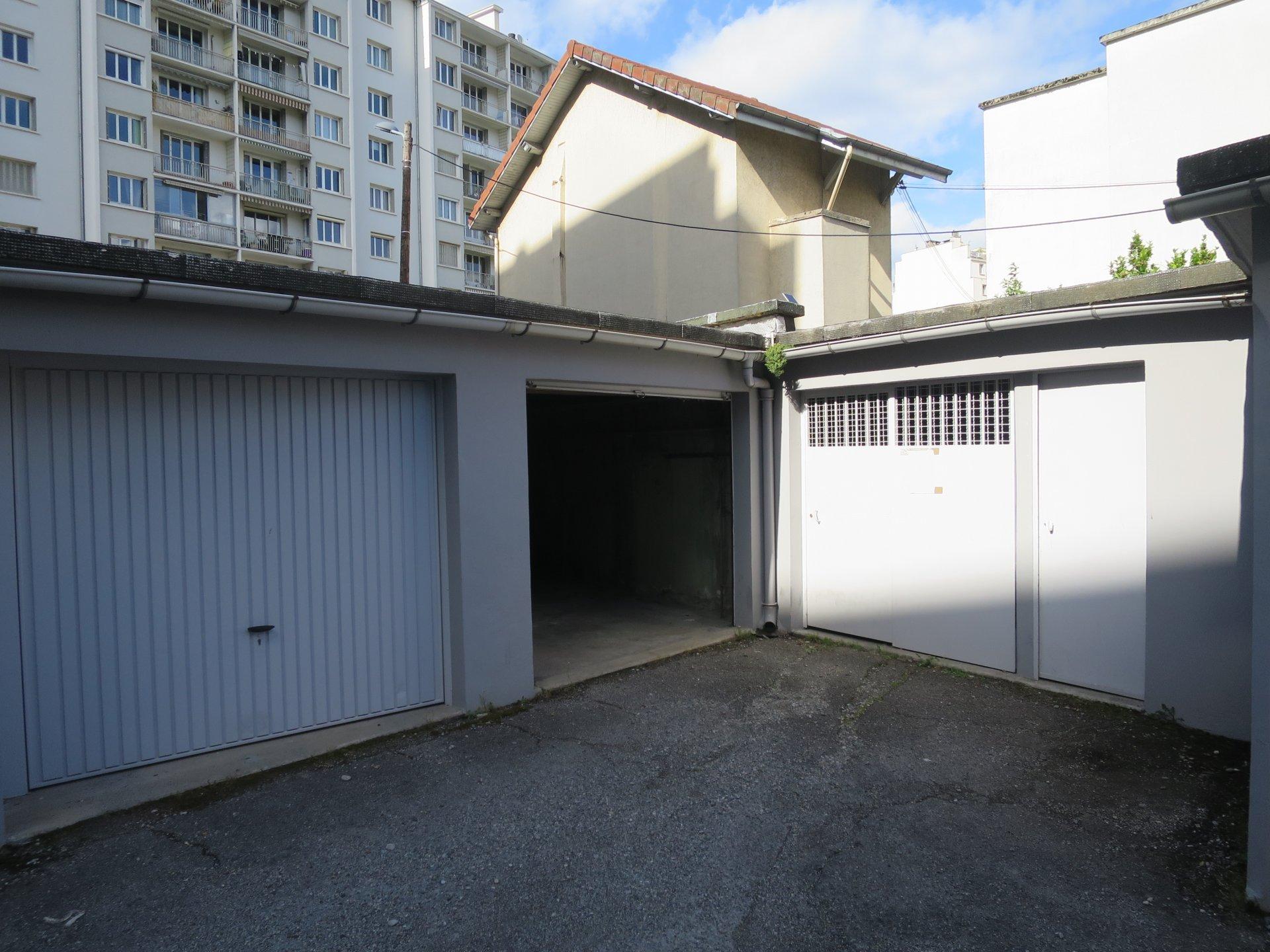 Rental Carpark - Grenoble Grands Boulevards