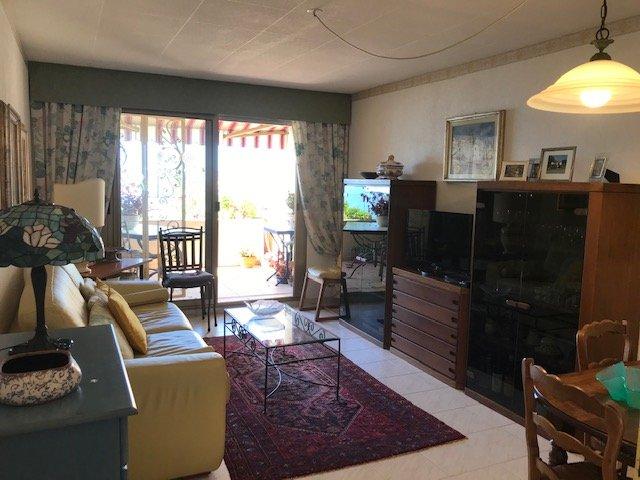 """Garavan- Vue """"Carte Postale"""" Panoramique Mer et Vieille Ville-T3 au dernier étage-Terrasse-Balcon-Garage-Cave- Piscine"""
