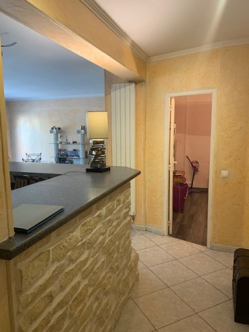 Menton Borrigo- T4 Spacieux de 78m² avec loggia,  parking et cave