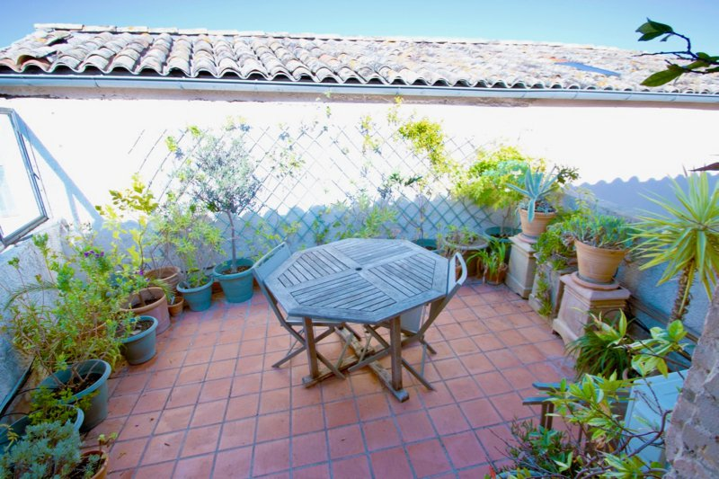 Charming well maintained apartment in centre of Roquebrune-sur-Argens