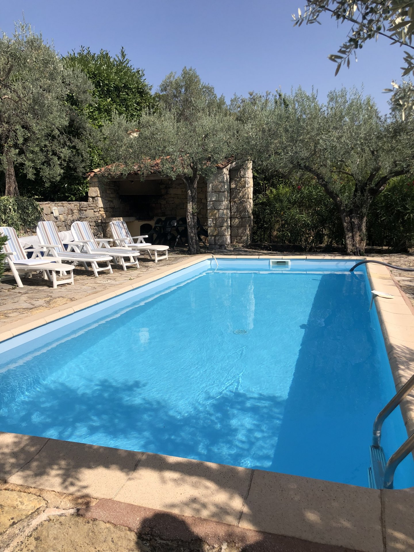 CLAVIERS : Charming villa with very nice view at the village.