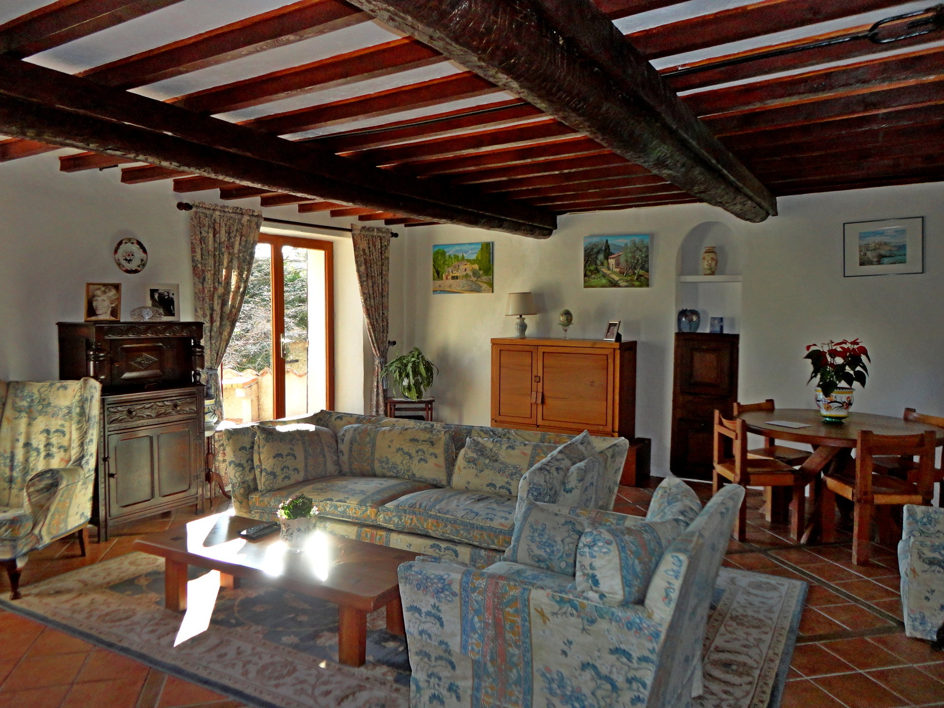 Seillans: old stone farmhouse with beautiful views