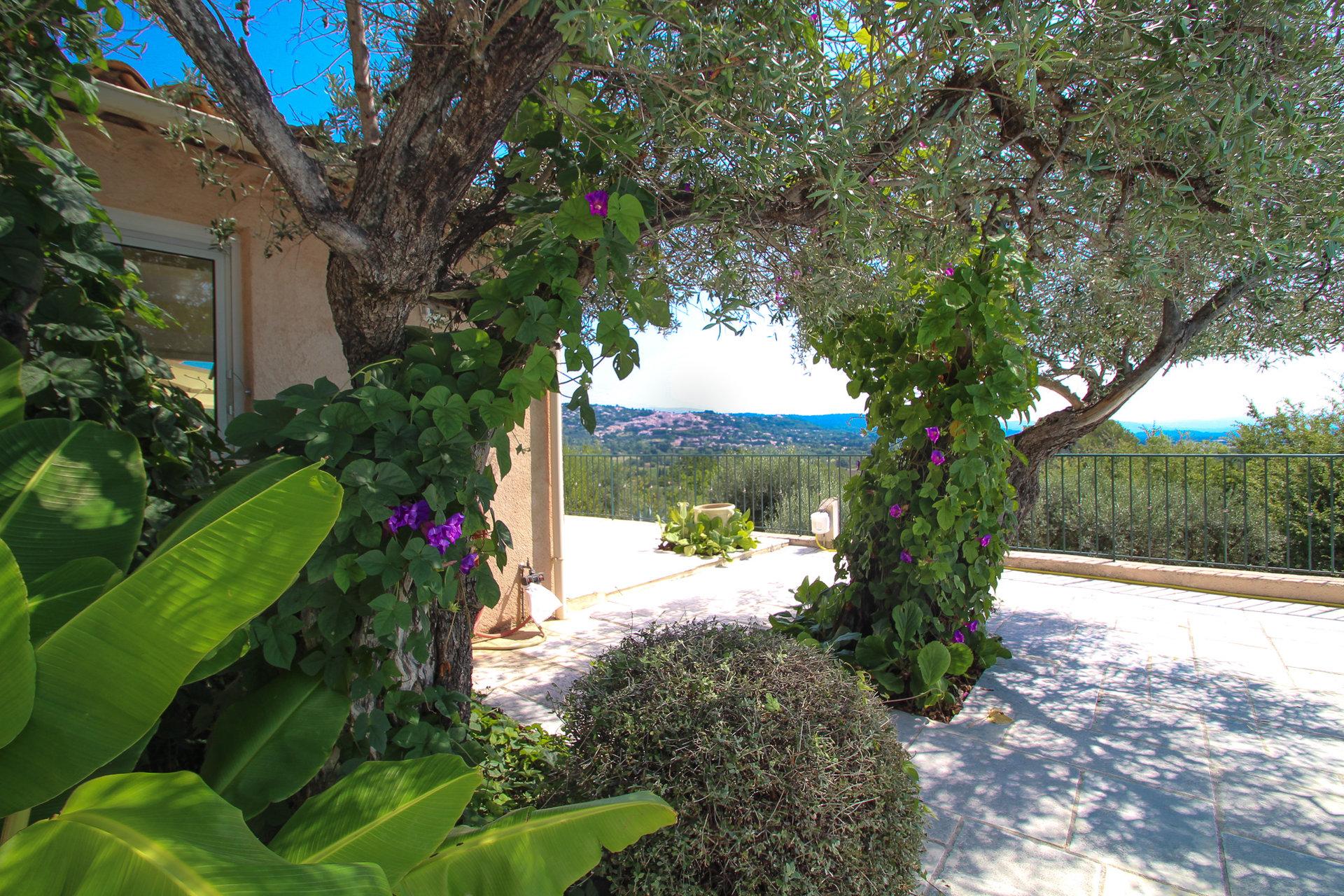 FAYENCE charmante villa, prachtig uitzicht