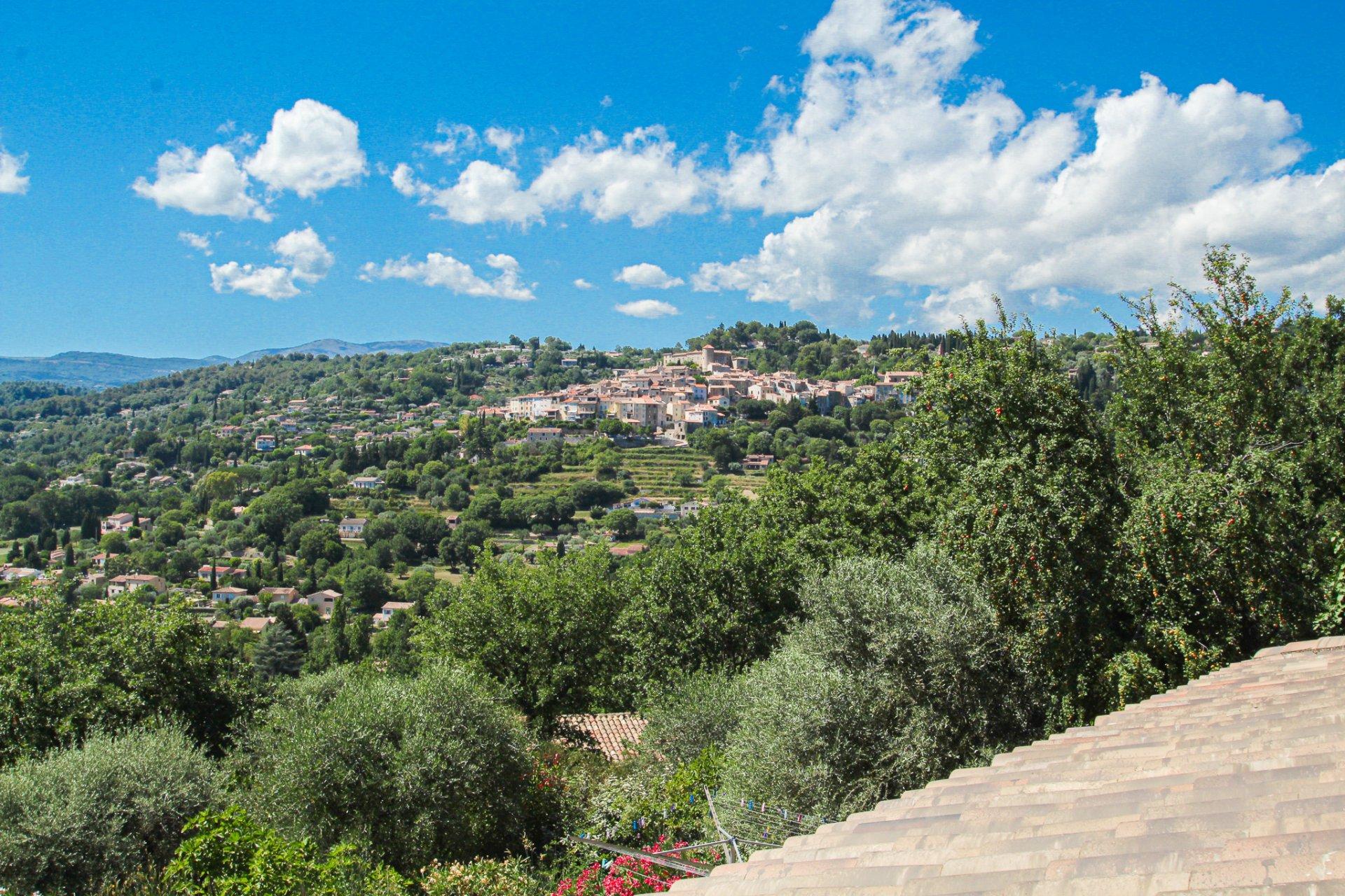 Montauroux: villa proche du village avec vue extraordinaire