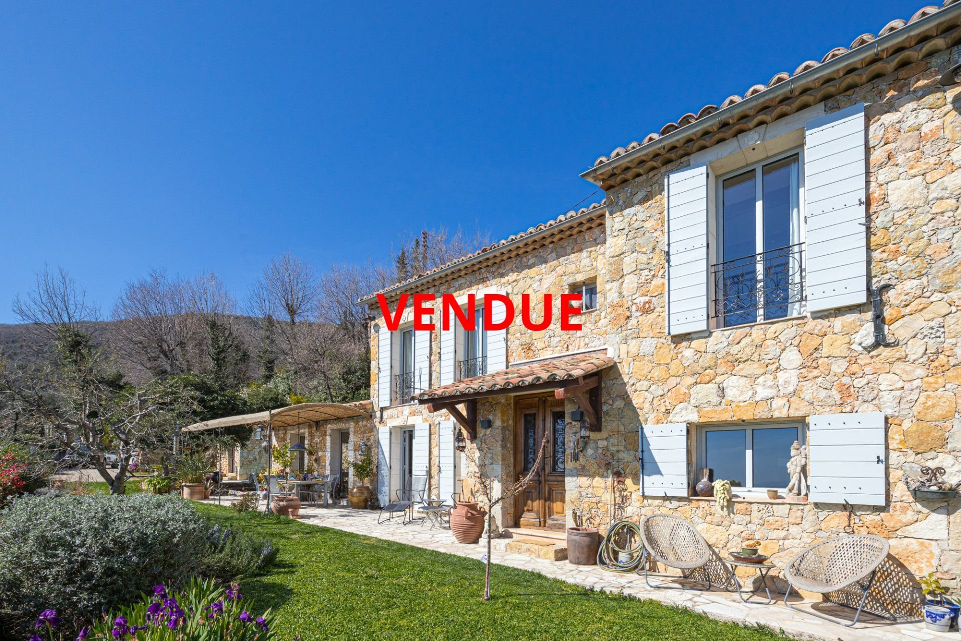 SOLD  - SOLE AGENT - Close to Châteauneuf-de-Grasse - Absolute Farm house Charm