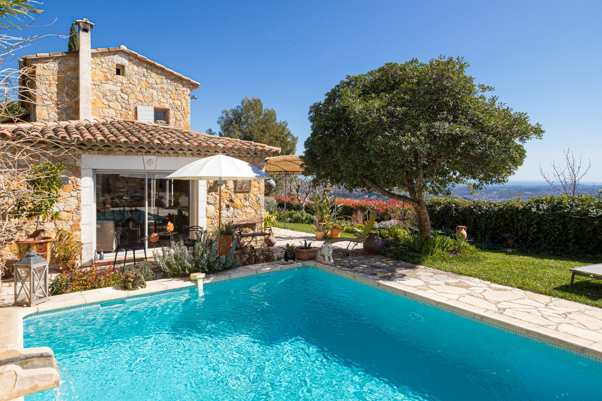 SOLE AGENT - Close to Châteauneuf-de-Grasse - Absolute Farm house Charm