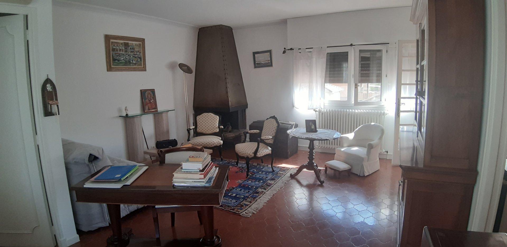 Appartement au 1er étage d'une maison